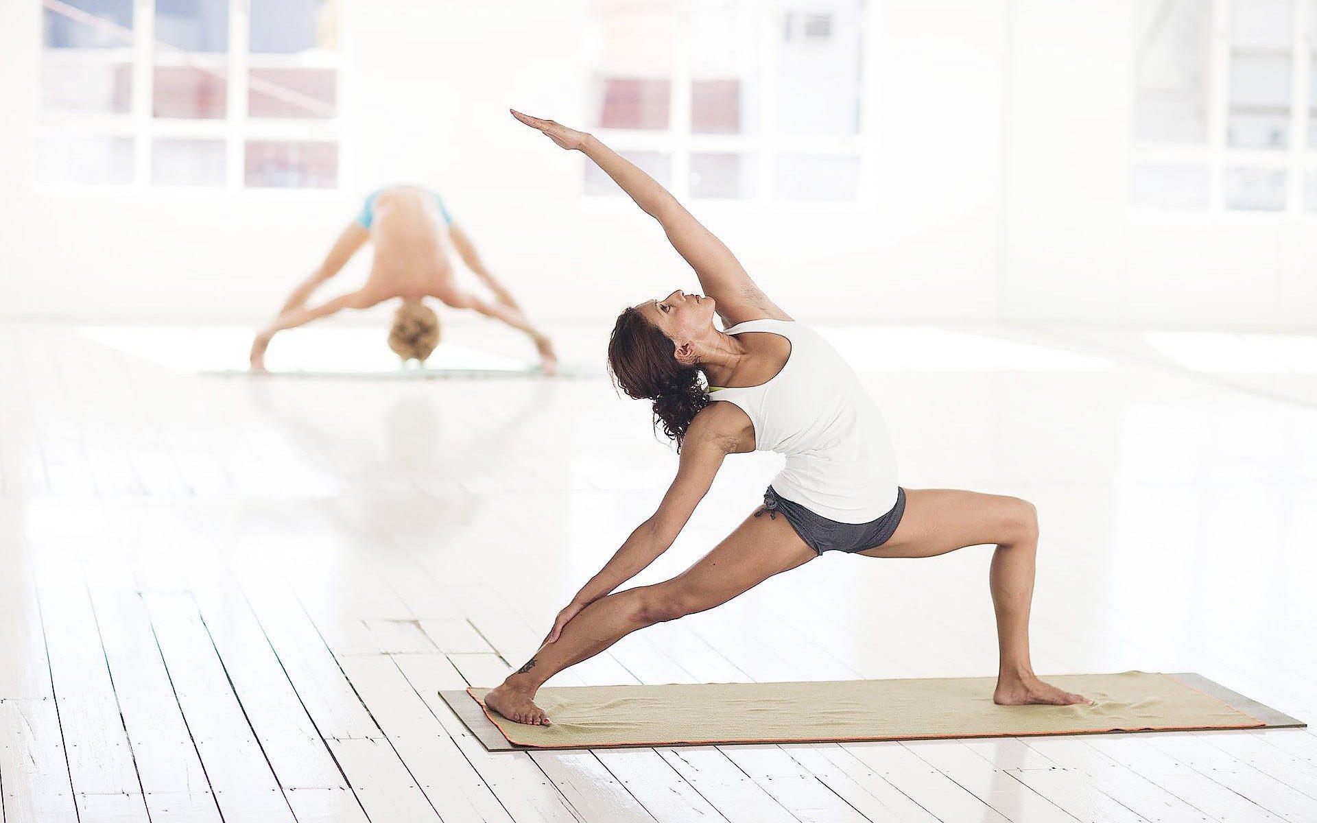Yogastunden mit Cornelia D